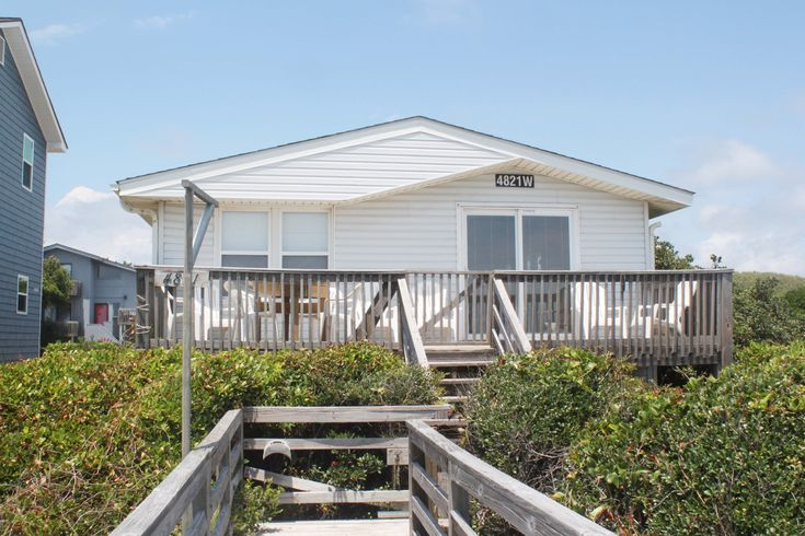 Absolute Accord is a 5 bedroom, 2 bathroom Oceanfront vacation rental in Oak Island, NC.