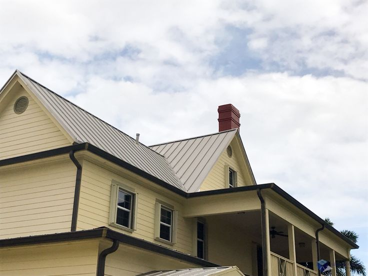What to do about rood leaks and tips for preventing them on flat or sloped roofs.