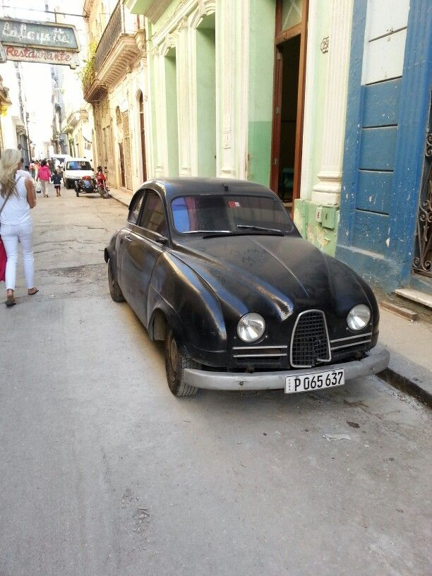Super cool old Saab i snapped in cuba :)