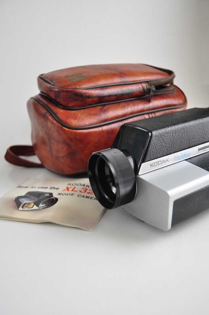 Vintage 1978 Kodak XL 320 Movie Camera Super 8 Film Video 70s 80s with Case and Manual Sci Fi Modern