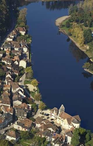 Vue aérienne de Beaulieu-sur-Dordogne - ©J Damase/CRT Limousin #YesYouAre #Limousin