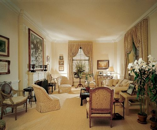 Lyn revson apartment at the pierre designed by mark for Beautiful sitting rooms
