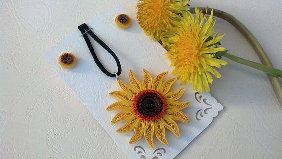 Hey, I found this really awesome Etsy listing at https://www.etsy.com/listing/536817057/sunflower-necklace-and-earrings-paper