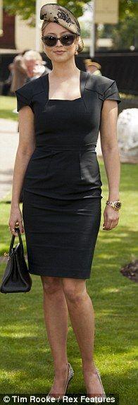 Holly Valance looking stunning.  #Holly #Valance #Fascinator