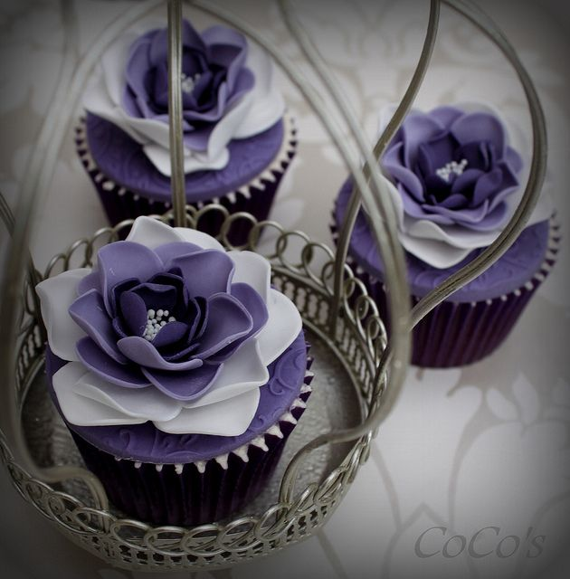 purple flower cupcakes | Flickr - Photo Sharing!