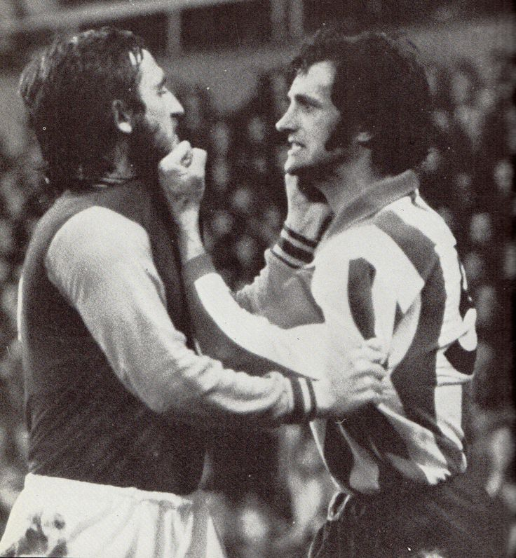 10th November 1973. West Ham United full back Frank Lampard makes the mistake of taking on Sheffield United captain Eddie Colquhoun.