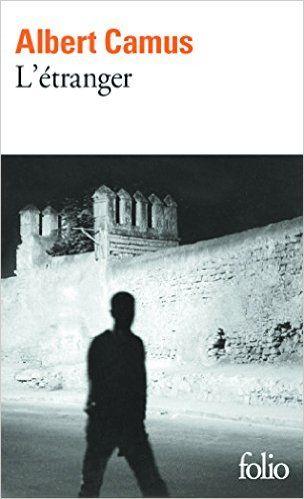 L'étranger (El extranjero).  Escrito por Albert Camus. Libros en francés -Nivel principiante e intermedio-