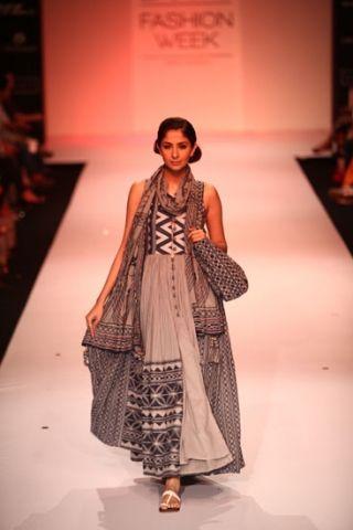 Lakive Fashion Week Autumn / Winter 2013 collection. Rahul N Shikha. India