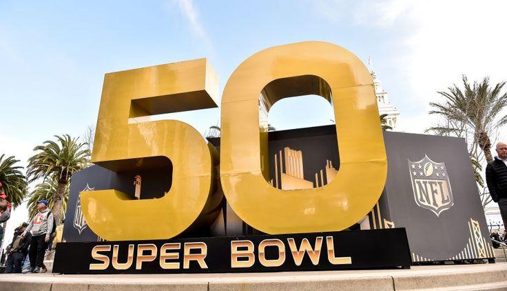 En la actualidad, el Super Bowl es el evento deportivo más caro y rentable del mundo. Según la revista Forbes de México, se pueden llegar a mover más de 620 millones de dólares, cifra con lo que supera lo que fue la pelea entre Floyd Mayweather y Manny Pacquiao del año pasado, que llegó a facturar más de 600 millones de dólares. Febrero 05, 2016.
