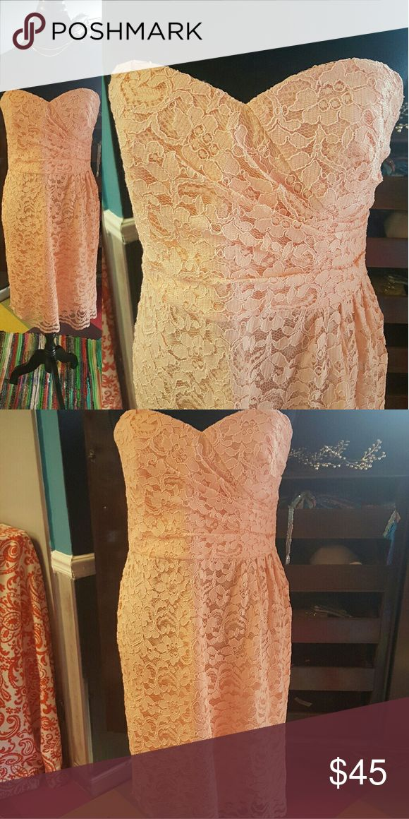 Davids Bridal Peach Lace Dress Davids Bridal Peach Lace Dress In excellent condition  Wear this to a shower or wedding. Perfect for a graduation Davids Bridal Dresses Strapless