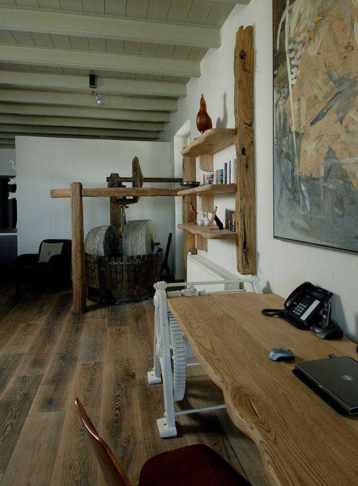 Κατοικία Πήλιο - ξύλινο προγυαλισμένο δάπεδο Dennebos, από την DIPO. www.dipo.gr
