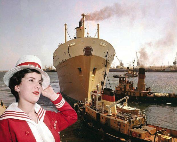 SS Orsova docking in Fremantle in 1961