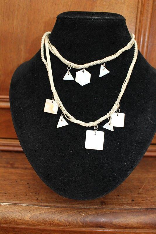 collier coquillage nacre forme géométrique fantaisie vintage hippie/ethnique/africain chic