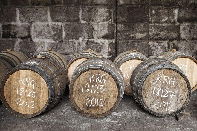 Bretagne - Kornog Sant Erwan (50%, OB 2014) - La distillerie bretonne Glan Ar Mor s'attache à produire son single malt de la manière la plus traditionnelle possible