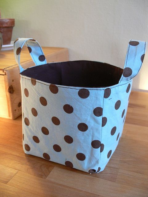 Fabric basket tutorial byJenny at Stumbles & Stitches