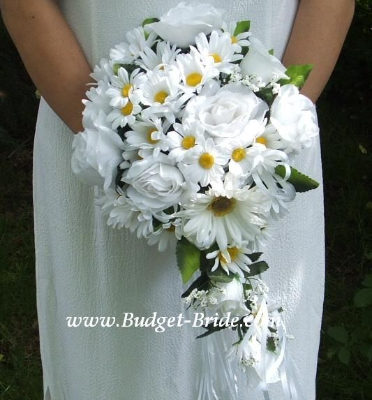 daisy and white roses bouquet <3