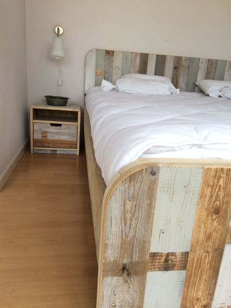 Industrial Bedroom Furniture: 1000+ Ideas About Scaffolding Wood On Pinterest