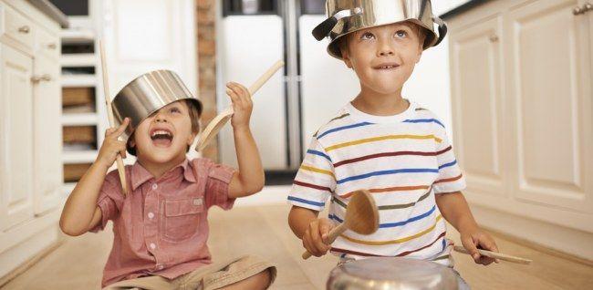 Da hat Langeweile keine Chance! Diese Spiele für Kleinkinder sind der absolute Hit in jedem Kinderzimmer.