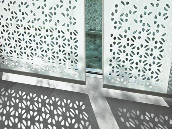 Trouvez nos propositions pour une décoration original si vous avez grandes fenêtres et besoin de foncer la chambre le panneau japonais heytens est là