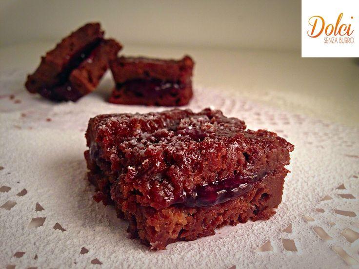 Quadrotti al Cioccolato e Frutti di Bosco Senza Burro, il dolce goloso di dolci senza burro