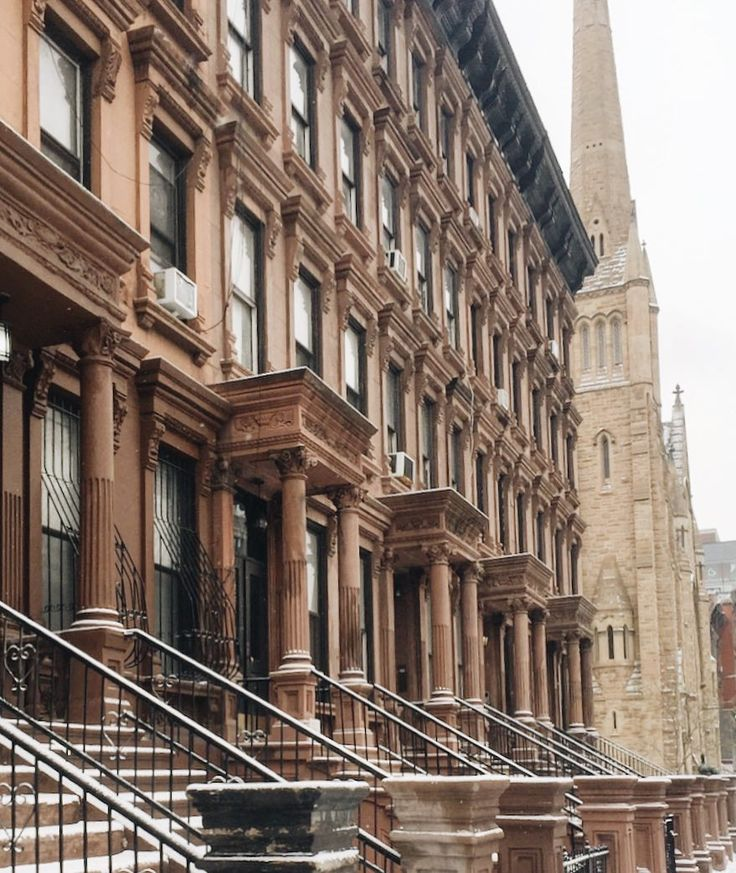 I love a freshly snowed NYC  #harlemlife #brownstones . . . . . #architecture #harlem #design #city #thecity #cityscape #citylife #nyc #newyork #newyorkcity #nyclife #newyork #newyork_ig #newyorkcity #travel #photography #iphoneonly #vacation #winter #snow #snowyday #snowy #snowday #paris #london #amsterdam #la