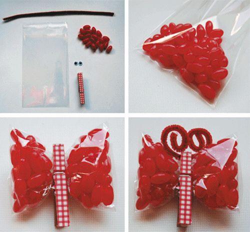 Paquetes de chuches en forma de mariposa