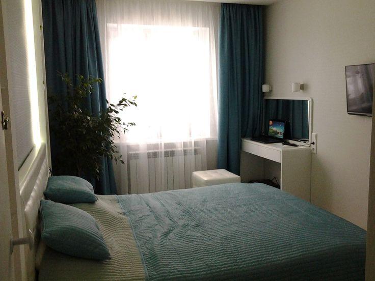 маленькая бирюзовая спальня