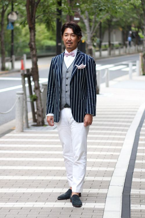 <結婚式 二次会 男性の服装カジュアル> 白のチョークストライプジャケット