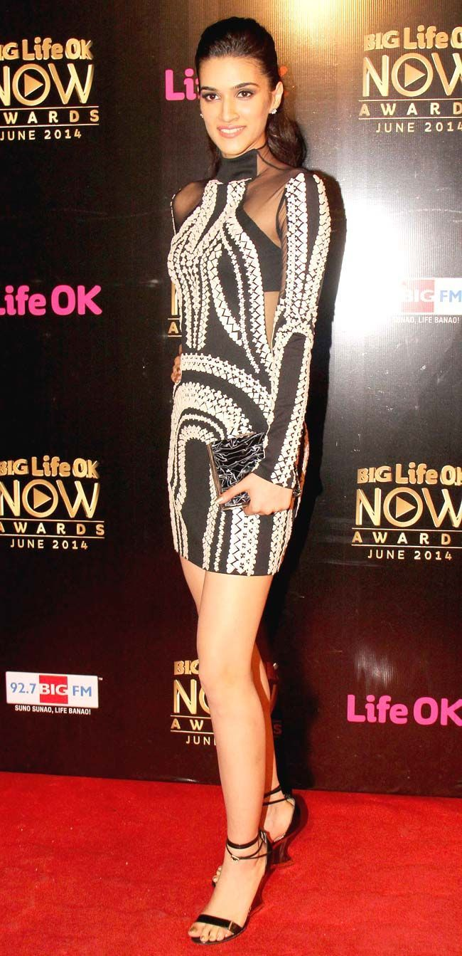 Kriti Sanon at Life OK Awards 2014