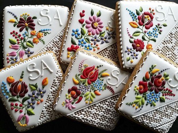 Mézesmanna é uma loja húngara de biscoitos decorados que, de tão detalhados e incríveis, parecem pequenas obras de arte bordadas e pintadas. Inspire-se!