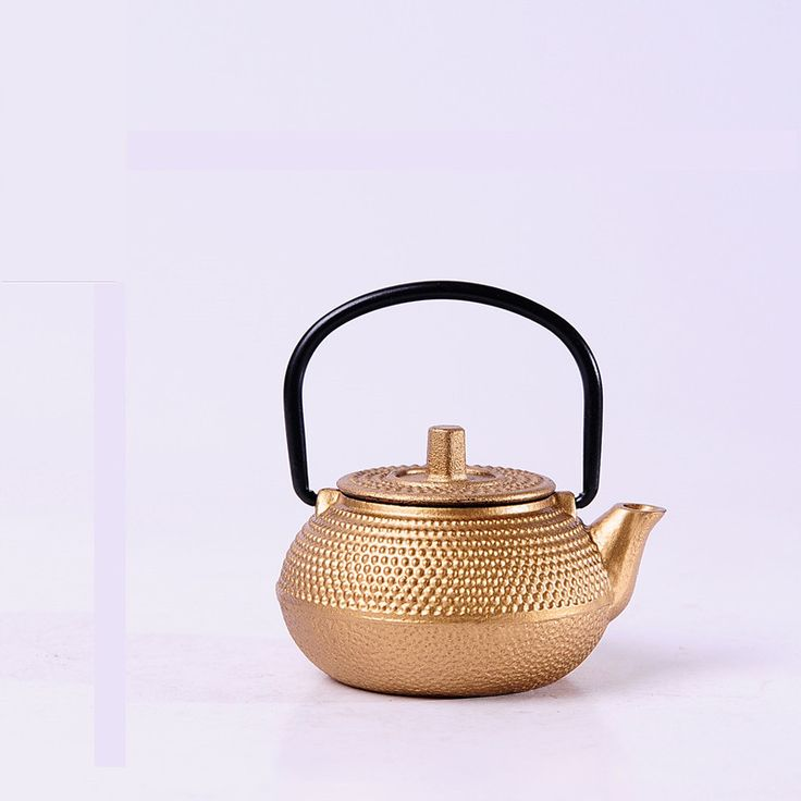 4 pcs High Quality Mini Vintage metal teapot Water Pot style New Year Gift for friends Japannese old tea pot Gold color WW-MT014