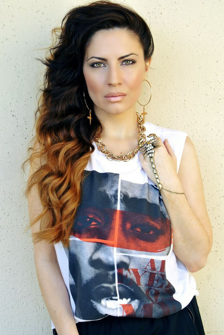 LA Street Style Fashion: Hip-hop Graphic Tee, Wavy Ombre Hair, Gold Jewlery, Scorpion Slave Bracelet