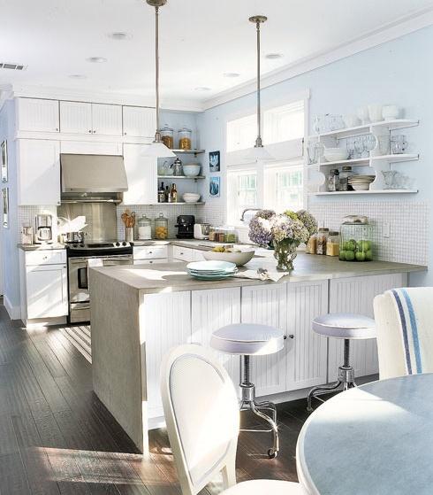 light & brightOpen Shelves, Kitchens Design, Design Ideas, Airy Kitchens, Country Living, Kitchens Ideas, Country Kitchens, Kitchens Layout, White Kitchens