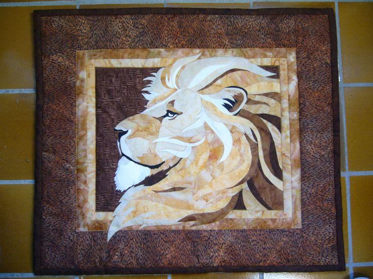 Le lion.  Realisation Michele Lapeyrere