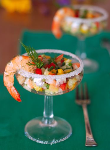 "Insalata ""Margarita"". #fingerfood #shopfesta"