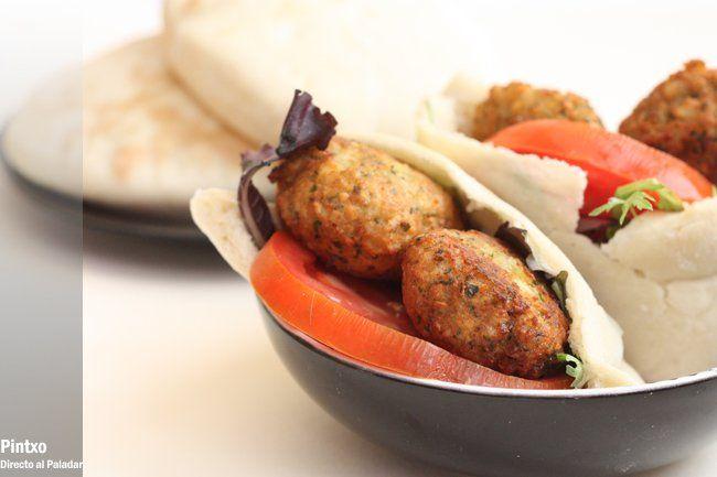 Receta de pita con falafel con fotos del paso a paso y de presentación. Con trucos y consejos. Recetas de cocina árabes