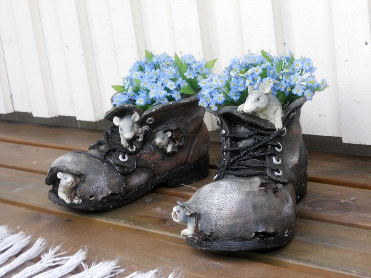 Terassilla hiirikengät -  Terrace mouse shoes