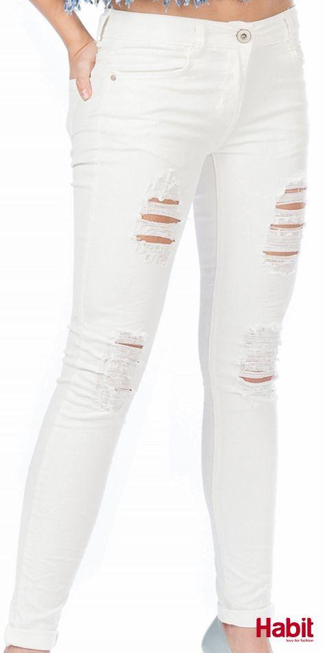 Τζίν παντελόνι με σκισίματα. • Κωδικός: 703100 • Τιμή: 28,99 • Χρώμα: Λευκό • Μέγεθος: S-XL  (online shopping loading...  stay tuned) #habit #fashion #habitfashion #loveforfashion #everyday #somethingnew #tops #denim #laceup #tencel #newcollection #trends #bodysuit #pants #jeans