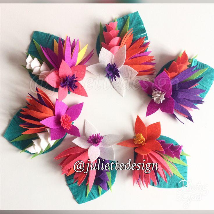 Napkin Ring, Felt Tropical Flowers, Tropical Wedding Decor, Tropical Napkin Ring by juliettesdesigntr on Etsy https://www.etsy.com/listing/523636724/napkin-ring-felt-tropical-flowers