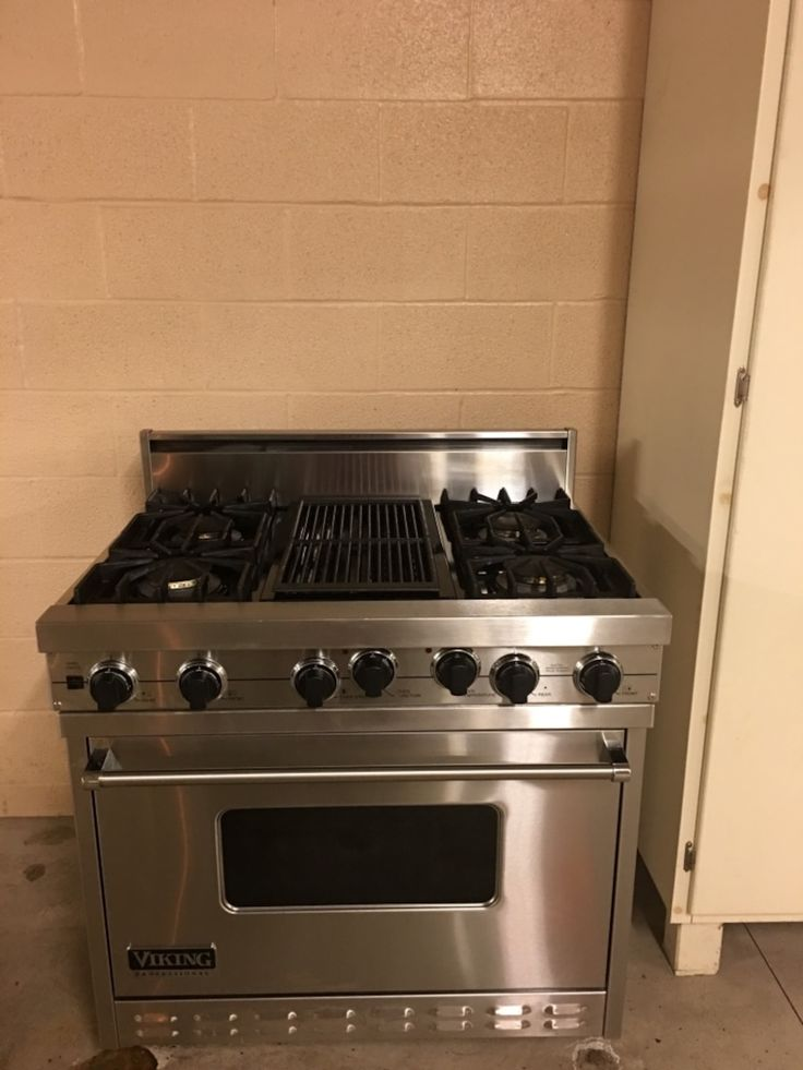 "36""sealed burner dual fuel range Pro sealed burner system I specifically engineered to provide superior cooking.. setting to a high 15,000 BTUS. Self cleaning oven and offers multiple conventional and convection settings. This range would sell around $11,000 new Read Less"