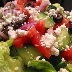 Griechischer Salat mit Dressing