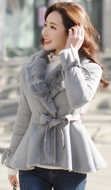 StyleOnme_Rabbit Fur Collar Peplum Mustang Coat #fur #coat #wintertrend #koreanfashion #kstyle #kfashion #dailylook