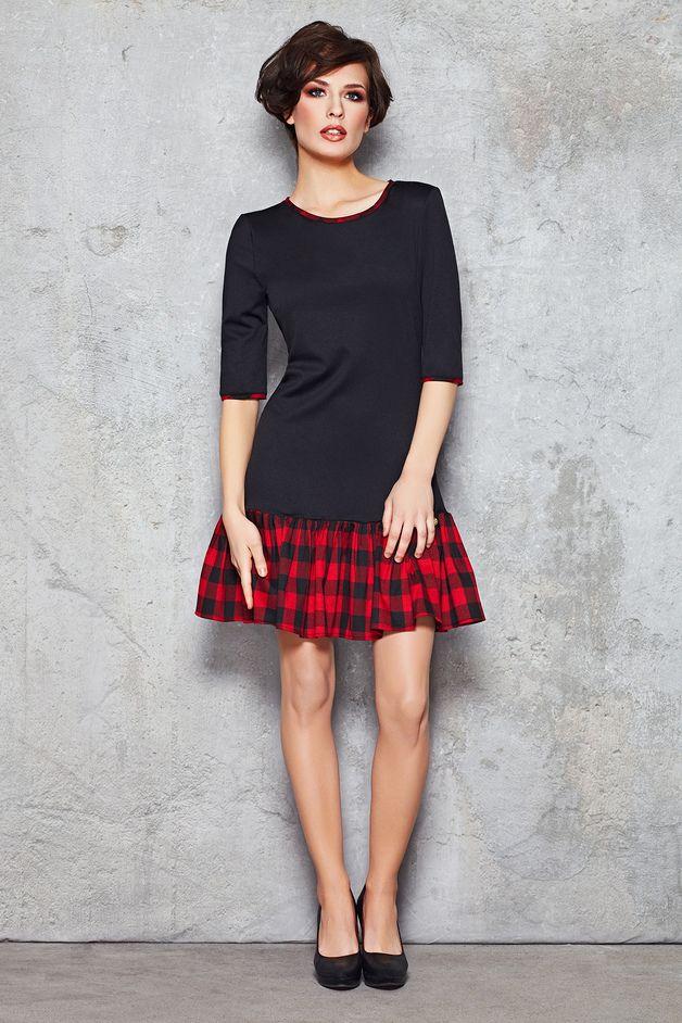 schwarzes Mini-Kleid mit rotem Karo-Rockteil // black mini dress with plaid skirt via DaWanda.com