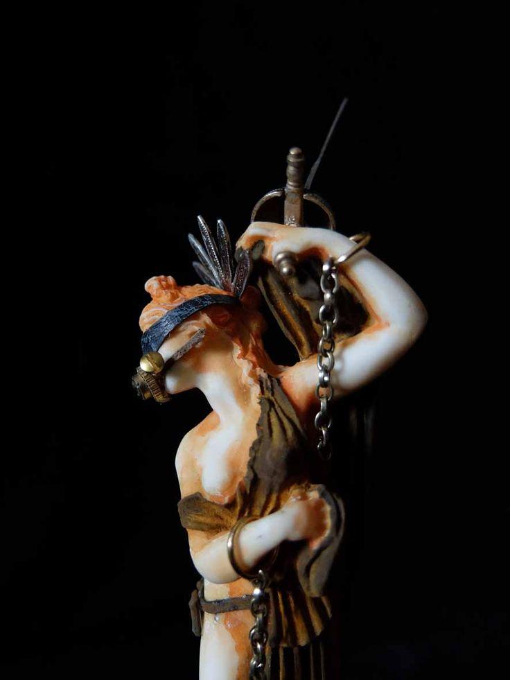 XAVIER SOMERS - UPRISING - Galerie Géraldine Banier http://www.widewalls.ch/artwork/xavier-somers/uprising/ #sculpture