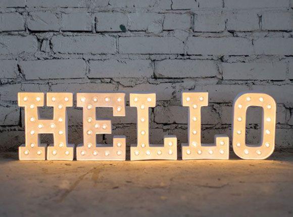 Marquee Love letters, Heidi Swapp, creatief, diy's, do it yourself, diy, knutselen, interieur, origineel, uniek, bijzonder, verlichting, inrichten, kinderkamer, babykamer, slaapkamer, cadeau, kraamcadeau, baby, geboren, kind, naam, jongen, meisje, versieren, zelf maken, styling, woonkamer, liefde, woorden, woord, lamp, licht, decoratie,