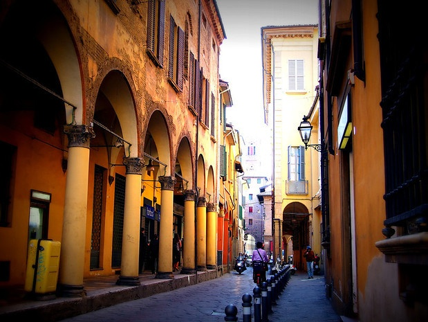 """""""Bologna is also famous for its sprawling porticoes, which circle much of the historical centre. Just beautiful to see"""" - """"Bologna in a Blur"""" by @legalnomads"""