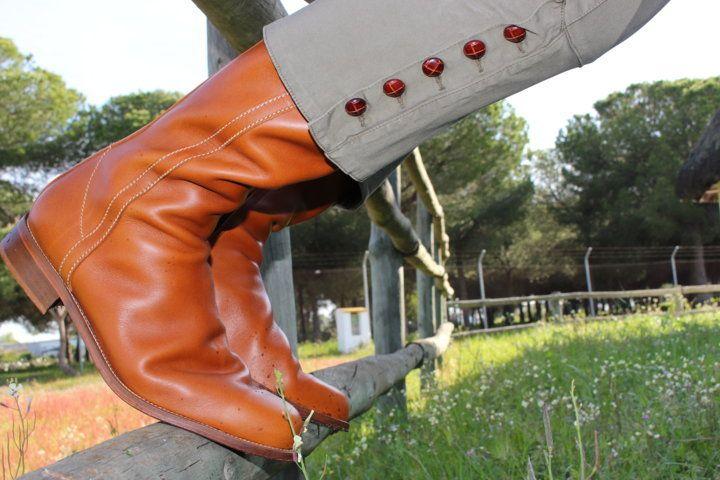 Botas altas, botas camperas, botos rocieros, botos camperos.