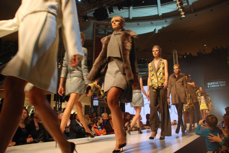 """Pokaz specjalny Łukasza Jemioła, kolekcja """"Tajemniczy ogród"""". MANUFAKTURA FAST FASHION (4.10.2013). #lodz. #manufaktura #fastfashion #catwalk #models #trends #style #fashionphilosophy"""