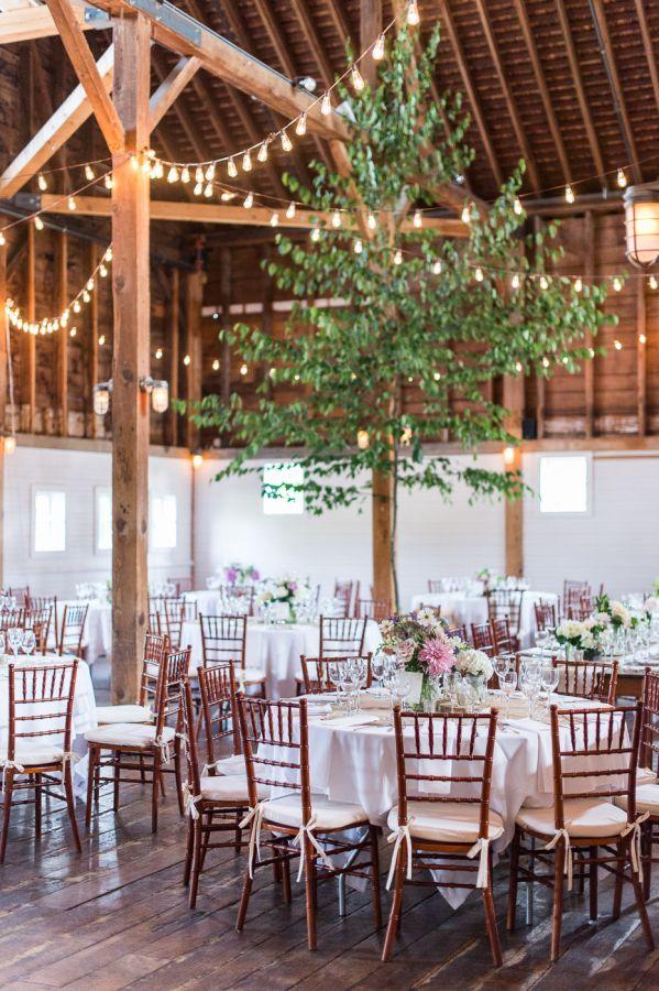 String light farm wedding decor: http://www.stylemepretty.com/2015/12/23/gedney-farm-massachusetts-wedding/ | Photography: Leila Brewster - http://leilabrewsterphotography.com/