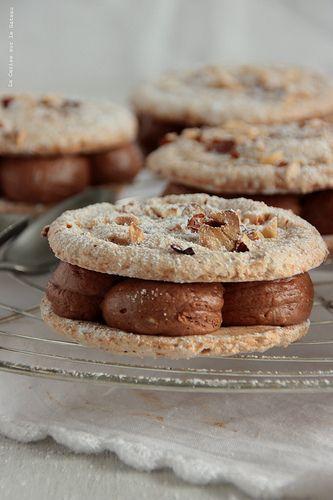 Biscuit Succès, Ganache Chocolat Noisette et Coeur Caramel